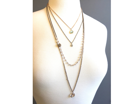 Material: Crystal/Pearls & Brass