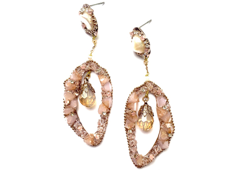 Material: Rose Quartz/Cultured Pearl/Rose Water Crystal/Rose Gold Base Metal/Gold Plated Sterling Silver Hook