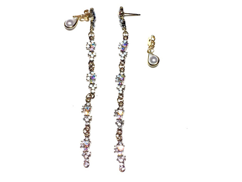 Material: Crystals/ Pearls/Antique Brass Base Metal/Gold Plated Sterling Silver Posts