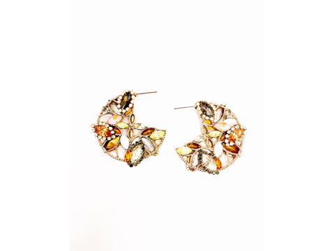 Material: Smoke/ Light Topaz Crystals /Copper Crystals/ Antique Gold Base Metal/ Gold Plated Sterling Silver Posts