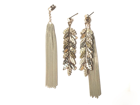 Material: White Oxide Brass Chains, Opal Crystal, Antique Gold Base Metal