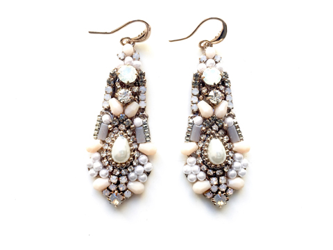 Material: Crystal/Pearl Beads/Antique Brass