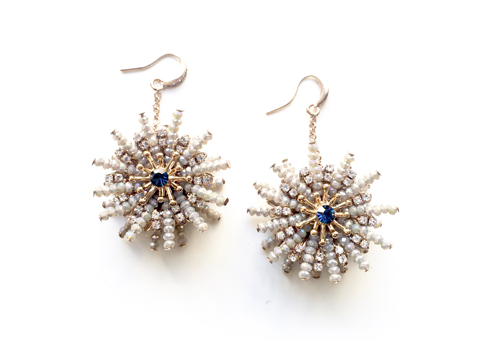 Material: Crystal/Antique Brass