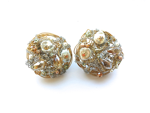 Material: Crystal/Shell/Brass Wire