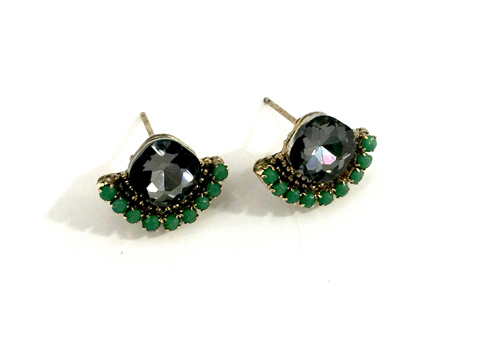 Material: Smoky Quartz/Emerald Cubic Zirconia Beads/Antique Gold Base Metal/Surgical Post